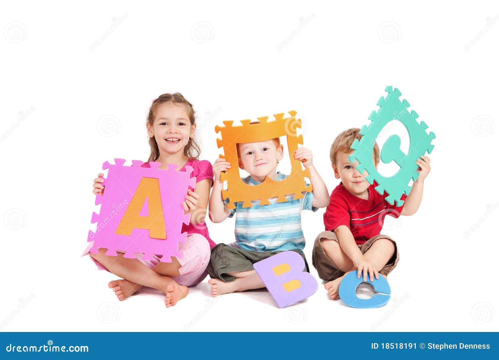 Abc字母表儿童了解信函的乐趣孩子