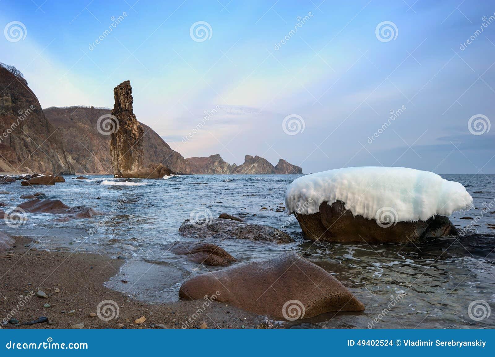 Download Abend Auf Dem Meer, Felsige Küste Stockfoto - Bild von horizontal, eingefroren: 49402524