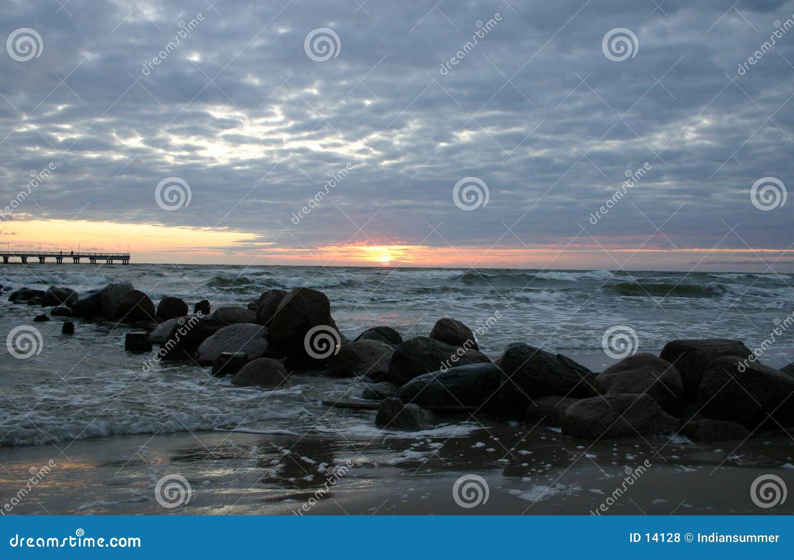 Abend durch das Meer