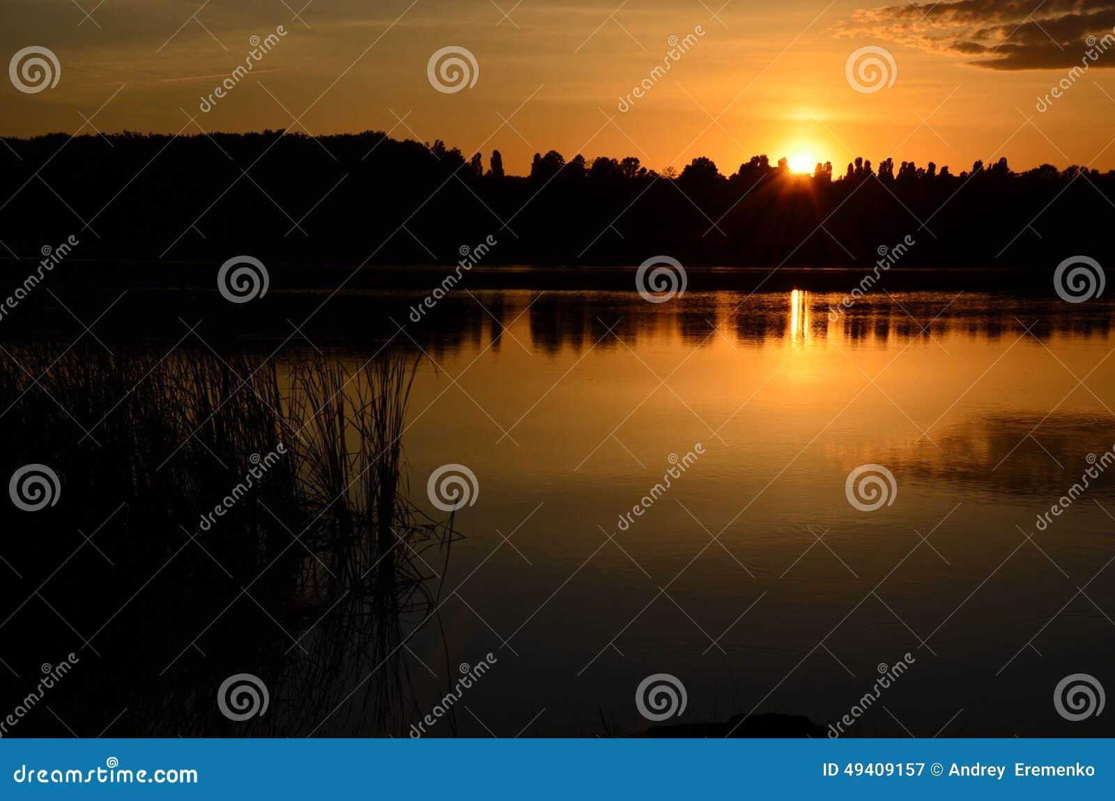 Download Abendlandschaftssonnenuntergang Stockbild - Bild von sonnenuntergang, blau: 49409157