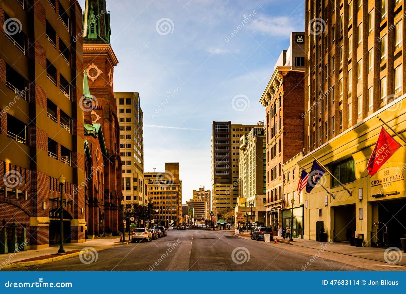 Abendlicht Auf Gebäuden Auf 2. Straße In Harrisburg, Pennsylv ...