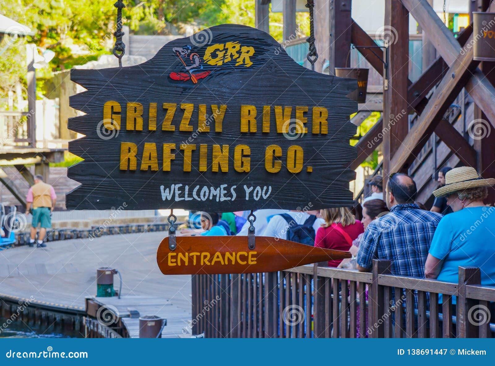 Abenteuer-Zeichen Graubär-Fluss-Flößensdisney Kalifornien