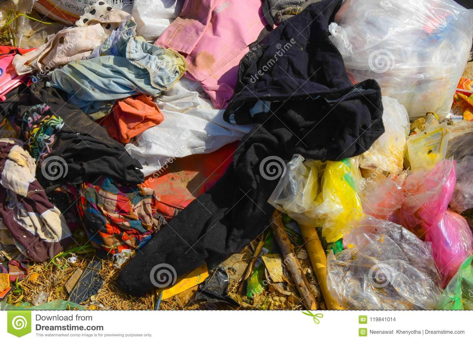 Abfall vom Abfall, der durch natürliches vermindert wird, bedeutet