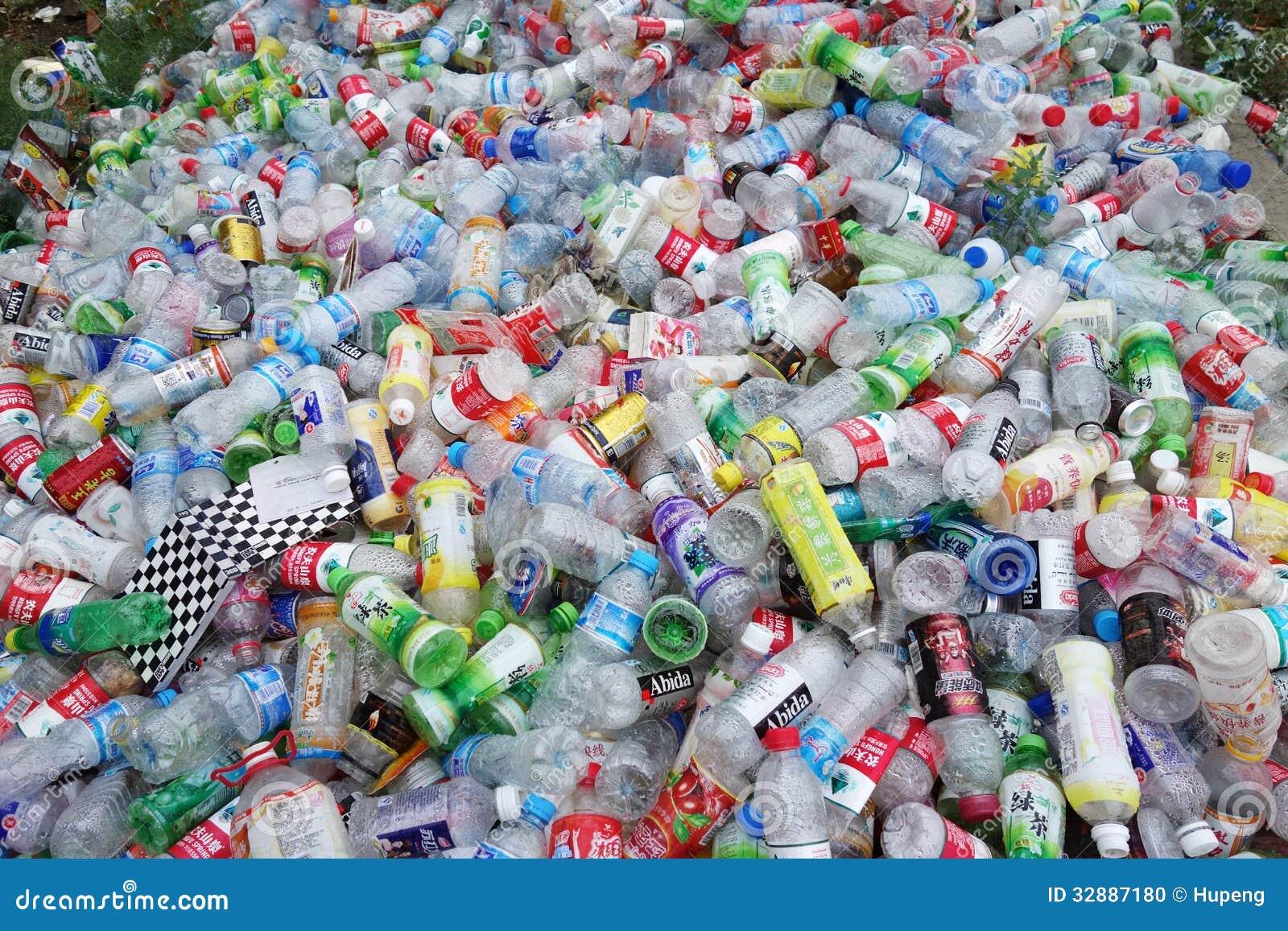 Abfallplastikflaschen