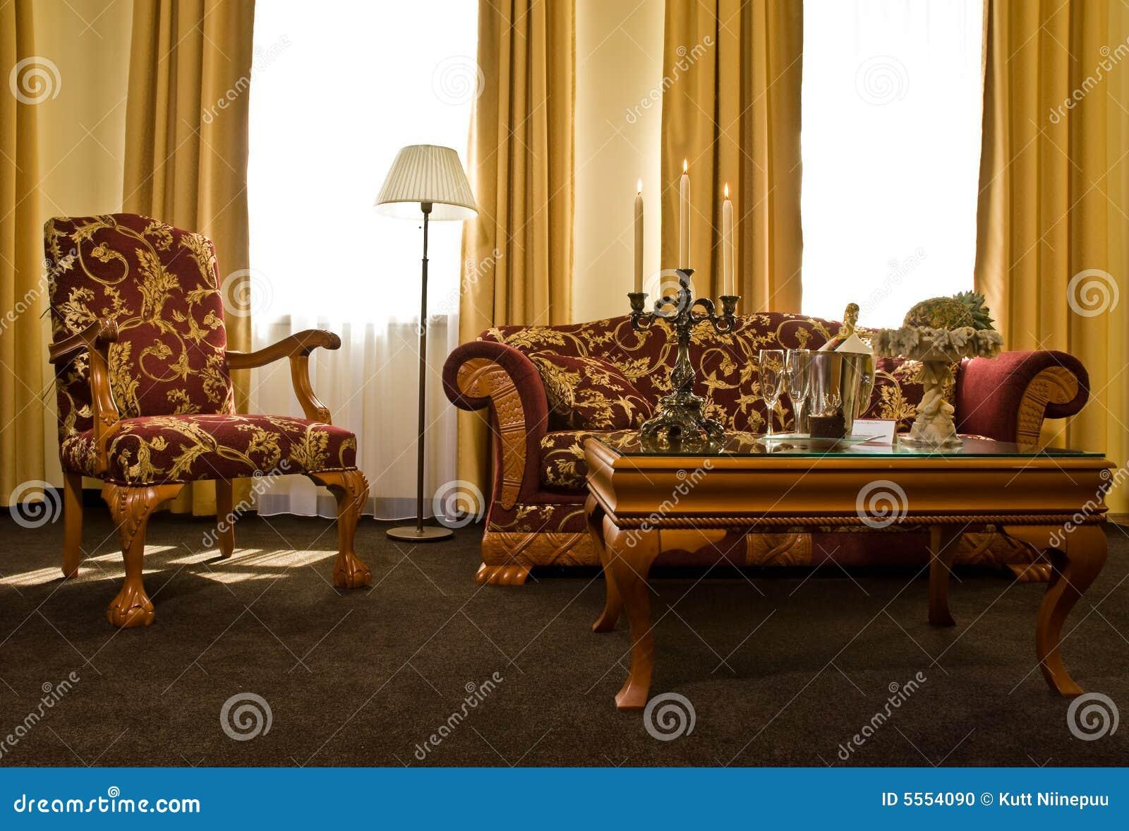 Abgleichende antike Möbel