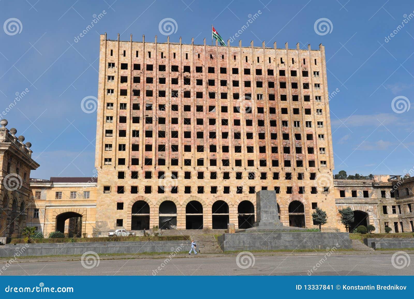 Abkhazia budynku rząd pustoszyjąca wa wojna