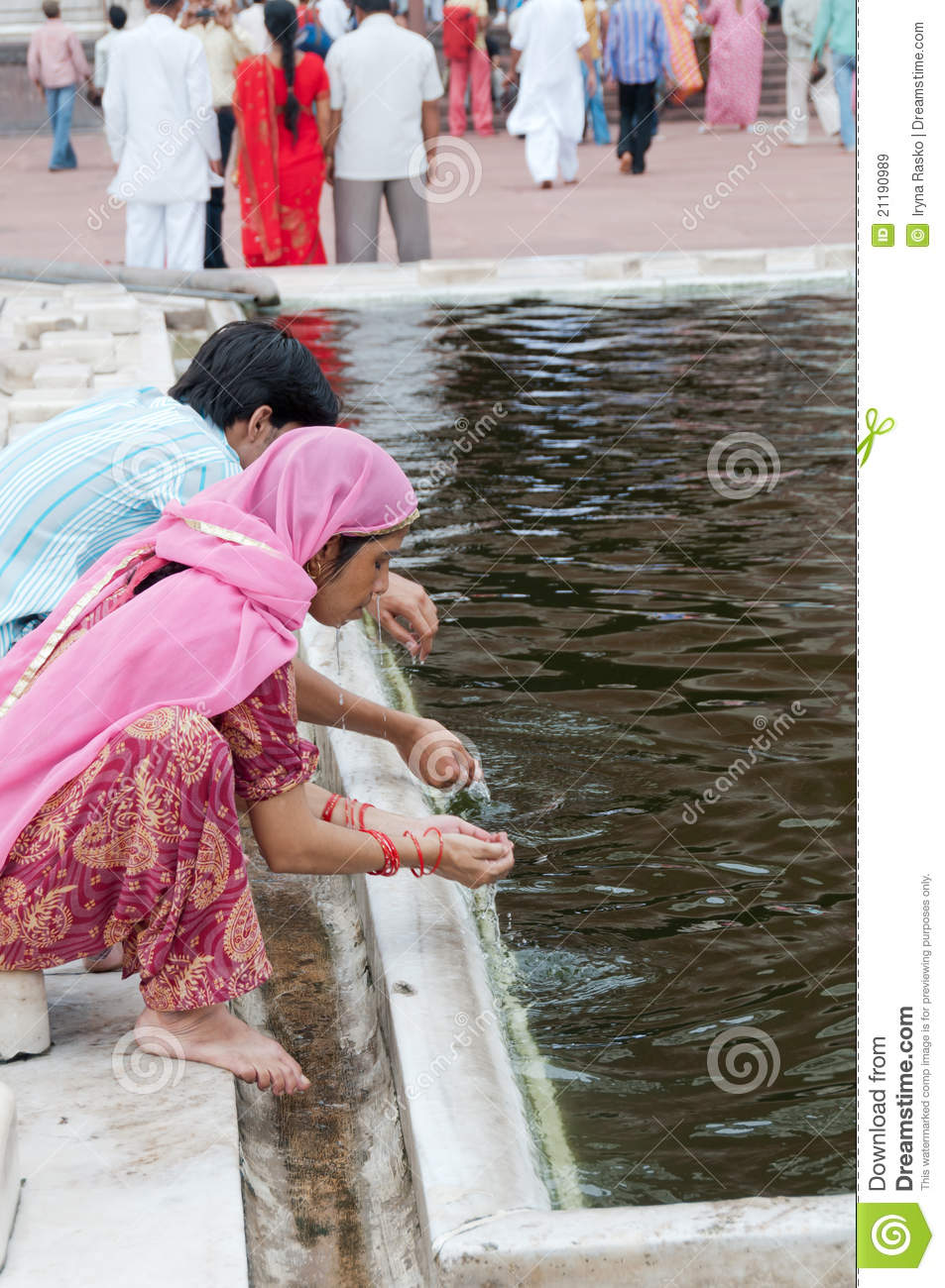 Ablution in front of India s mosque