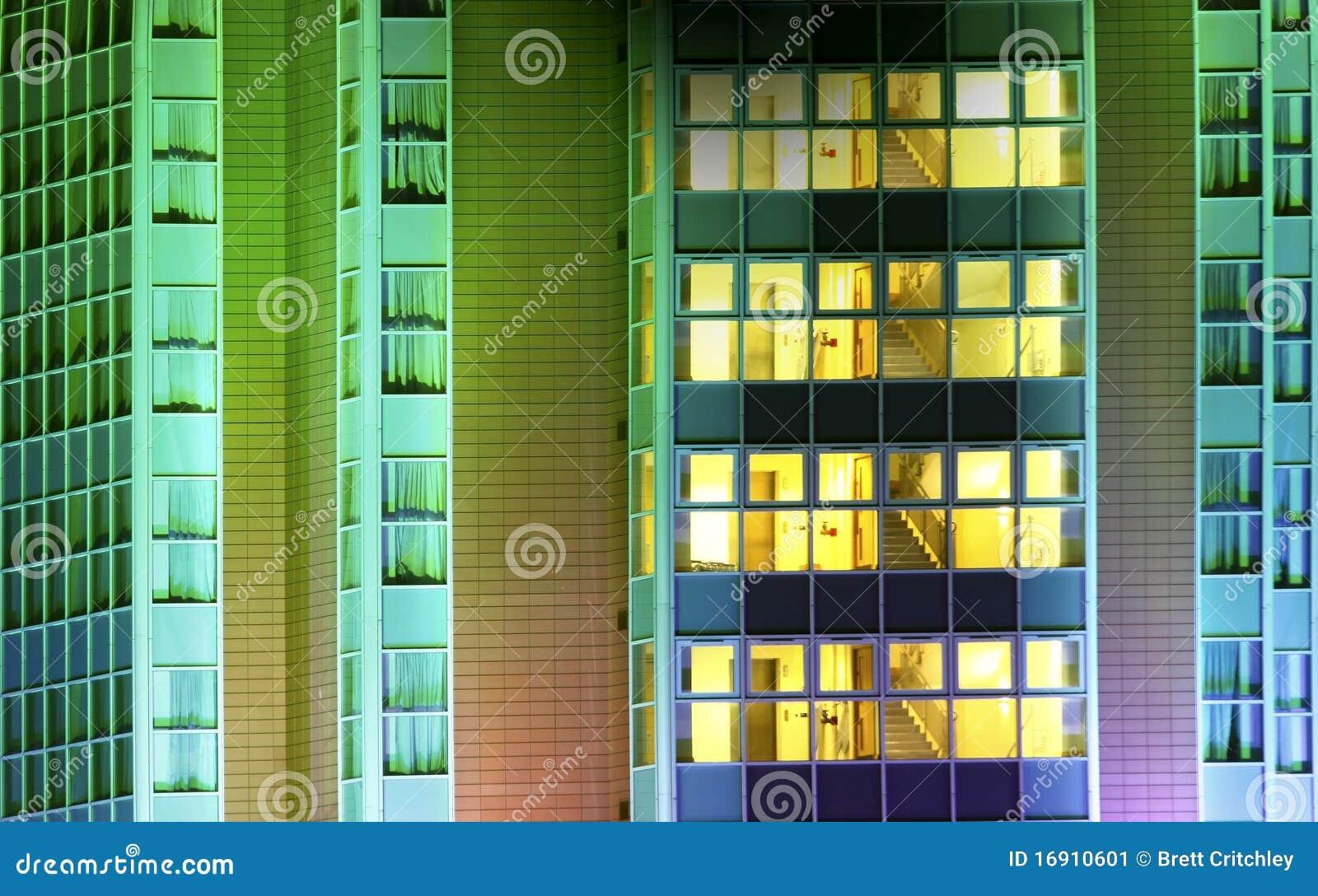 Abrégé sur moderne immeuble de bureaux image stock image du
