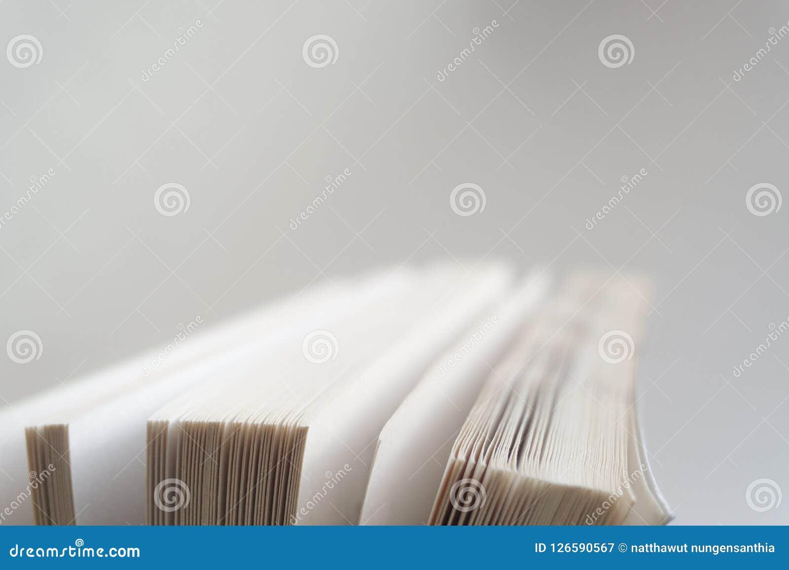 Abra el cierre del libro viejo, página del libro