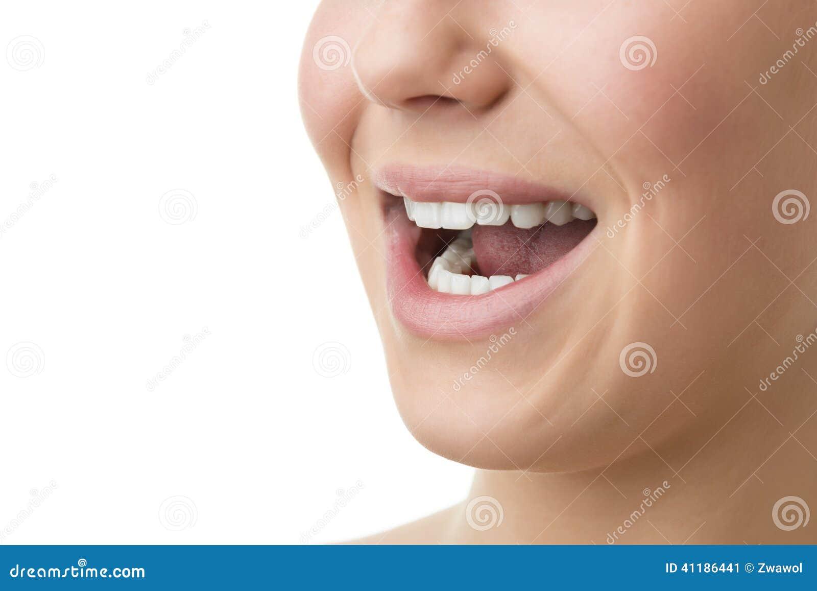 Abra la boca de la mujer