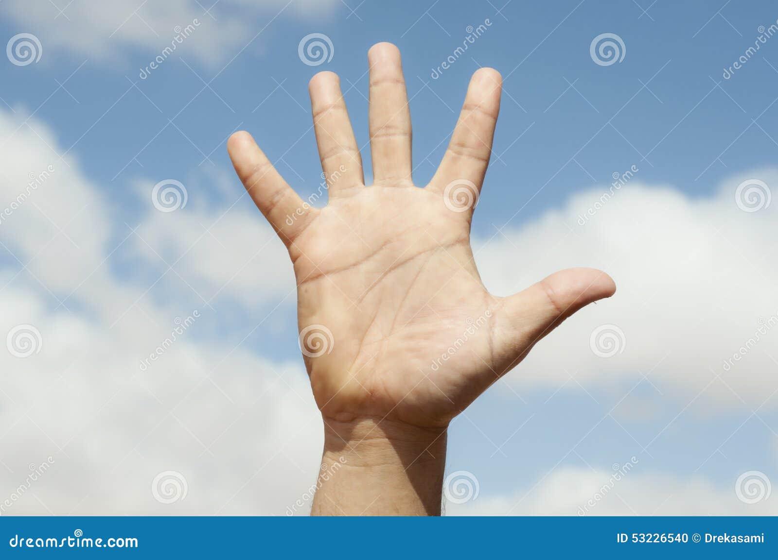Abra la mano