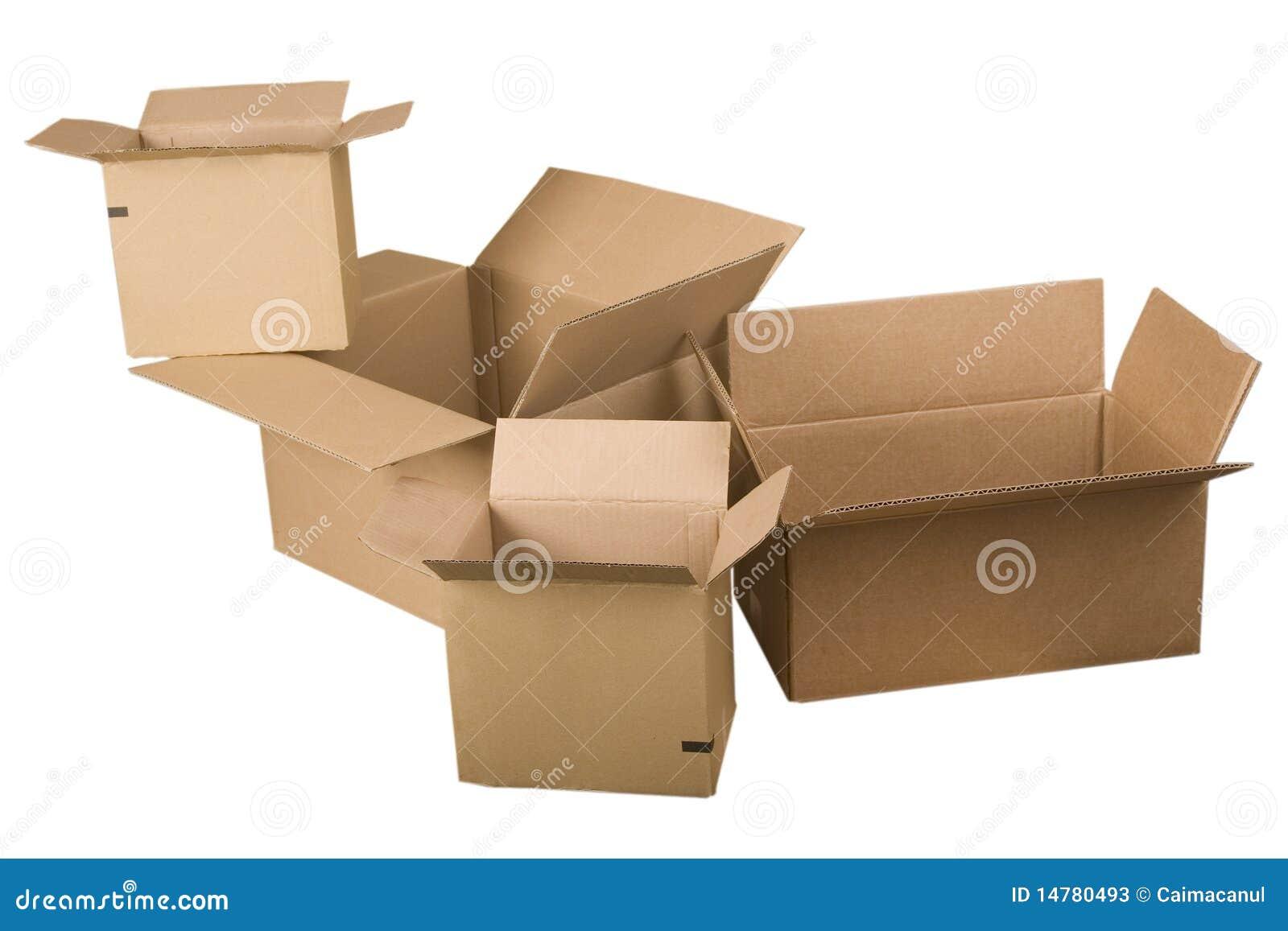 Abra las cajas de cartón marrones
