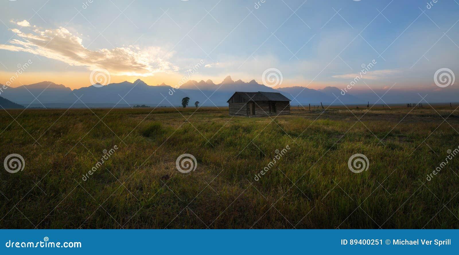 Abra o campo perto da fileira do mórmon, Wyoming