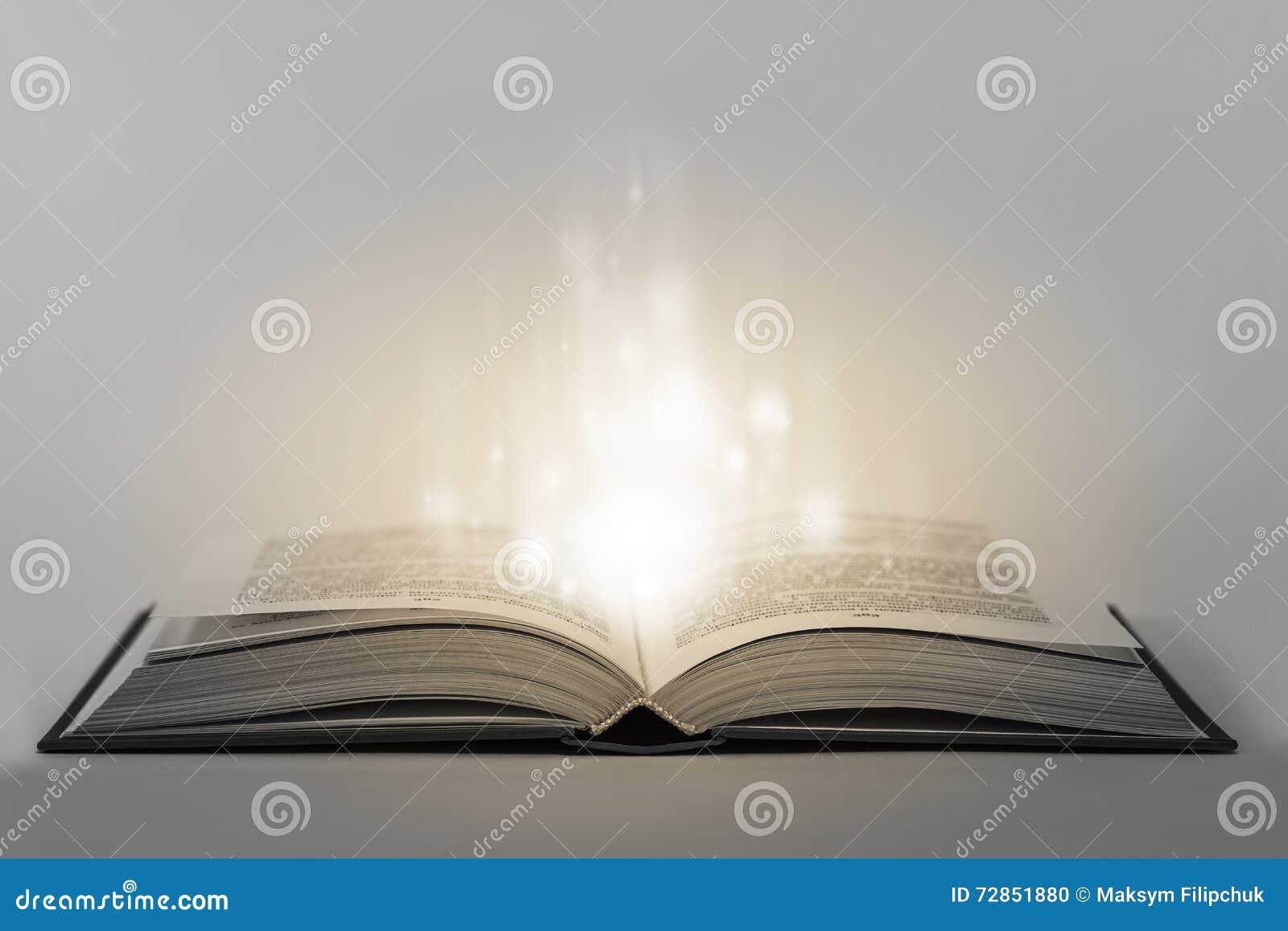 Abra o livro mágico