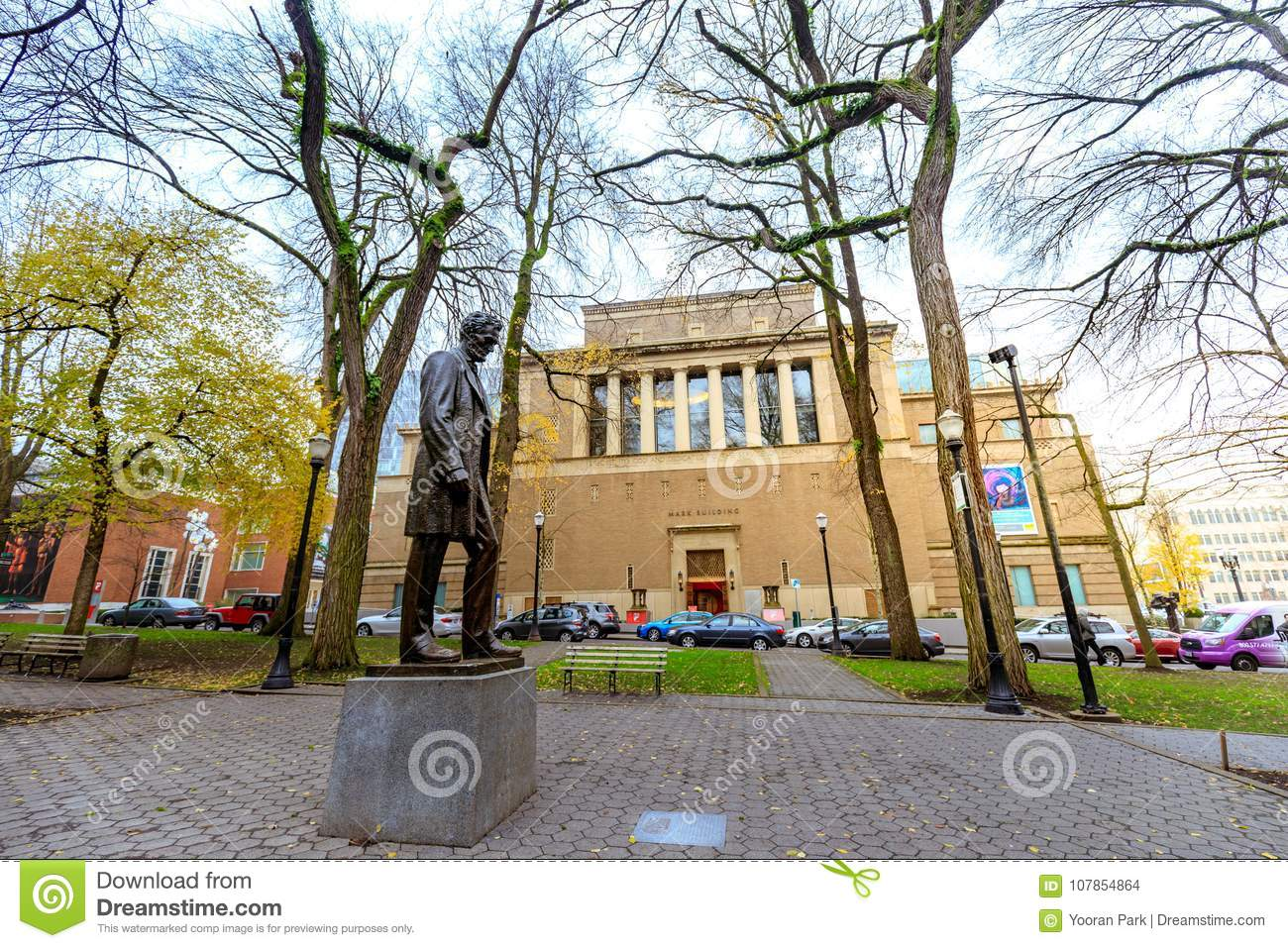 Abraham Lincoln Statue, And Portland Art Museum In Portland