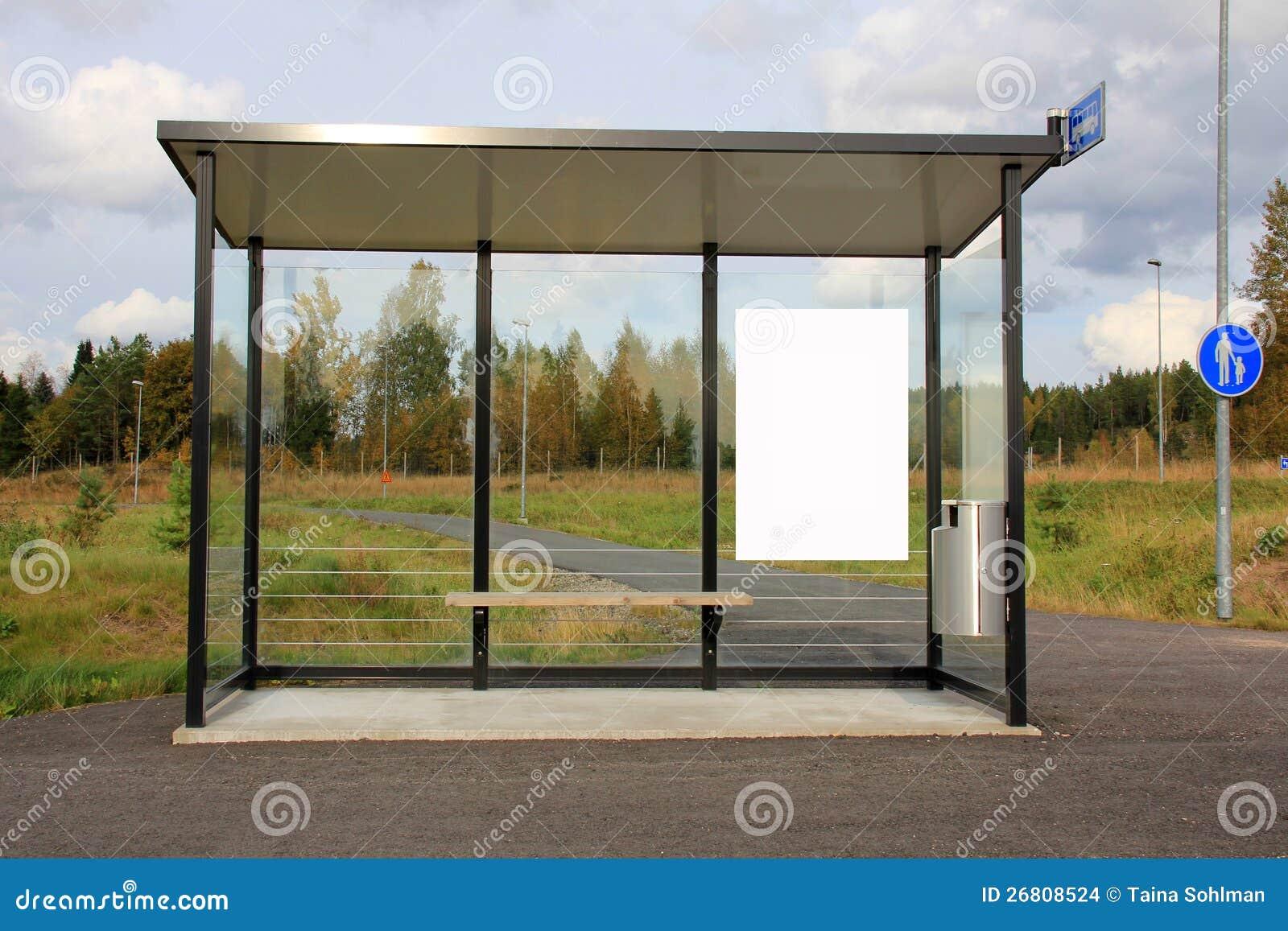 abri d arr t de bus avec le panneau r clame blanc. Black Bedroom Furniture Sets. Home Design Ideas