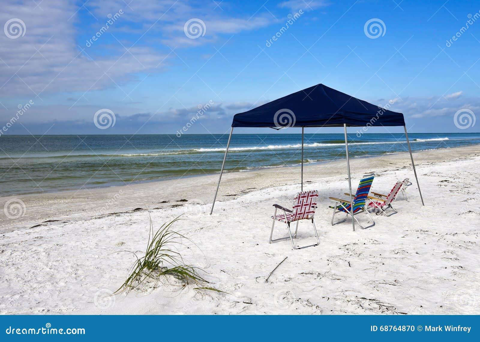 Abri et chaises portatifs de plage