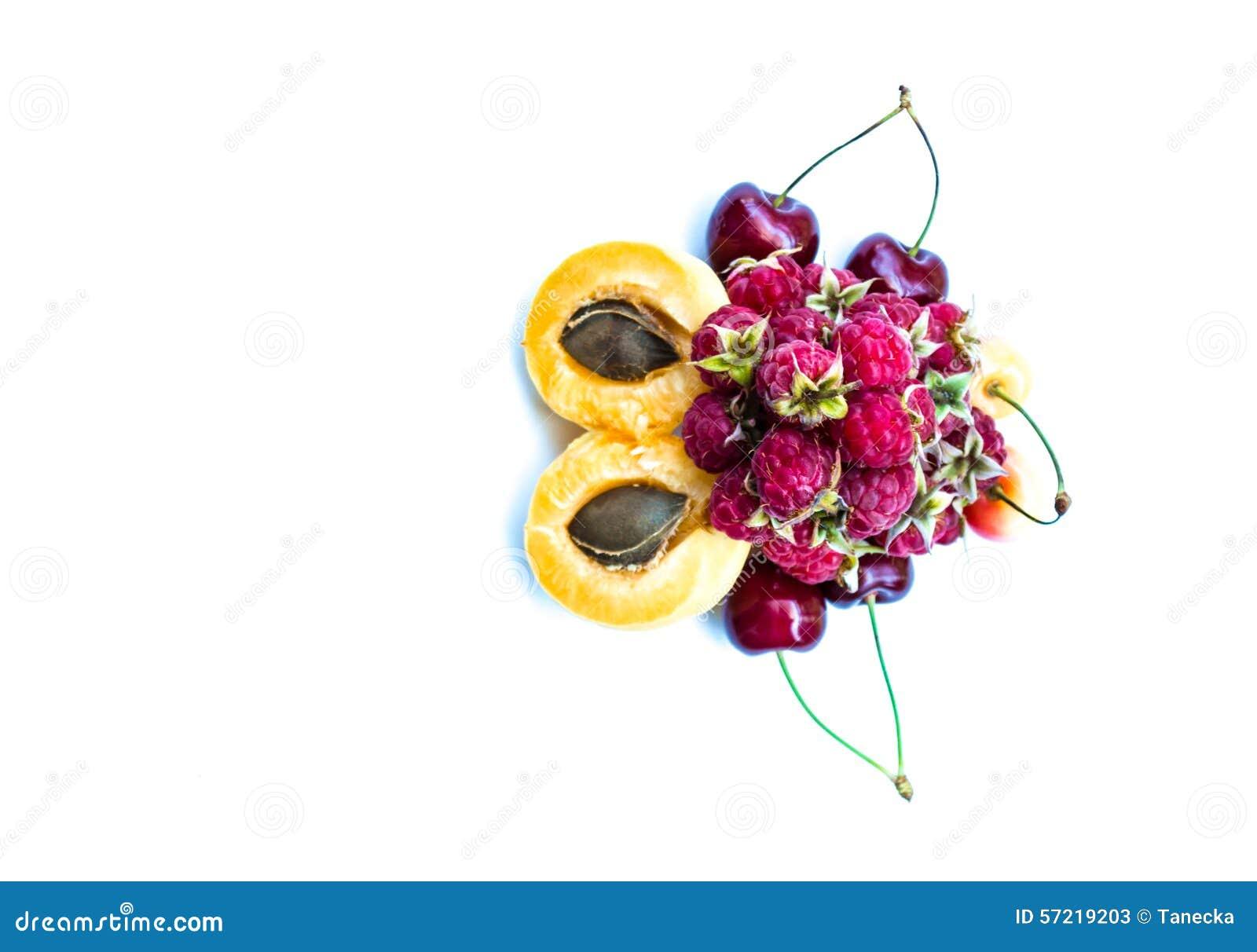 Abricós, cerejas doces e framboesas, cópia