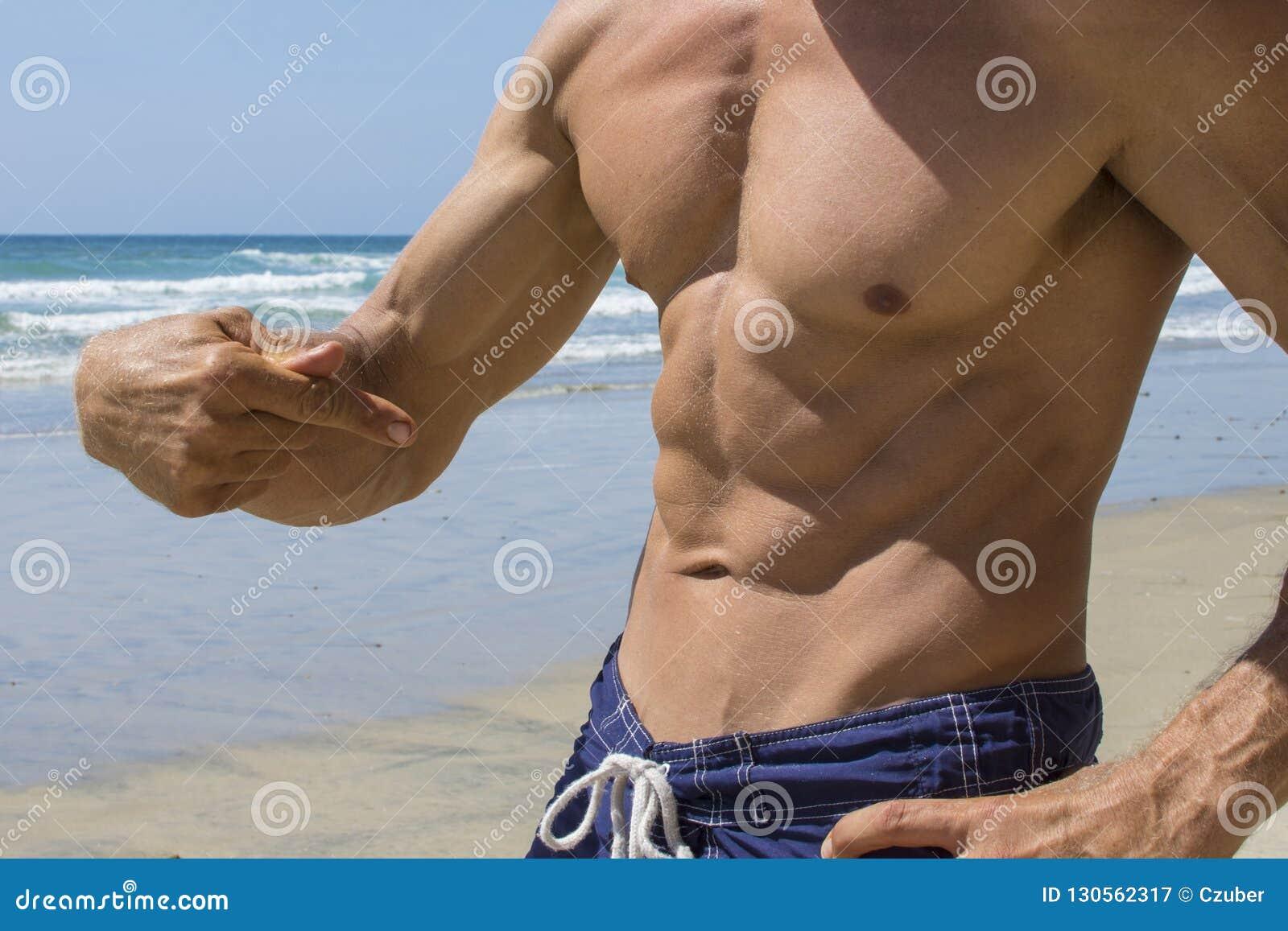 Abs masculino natural da praia