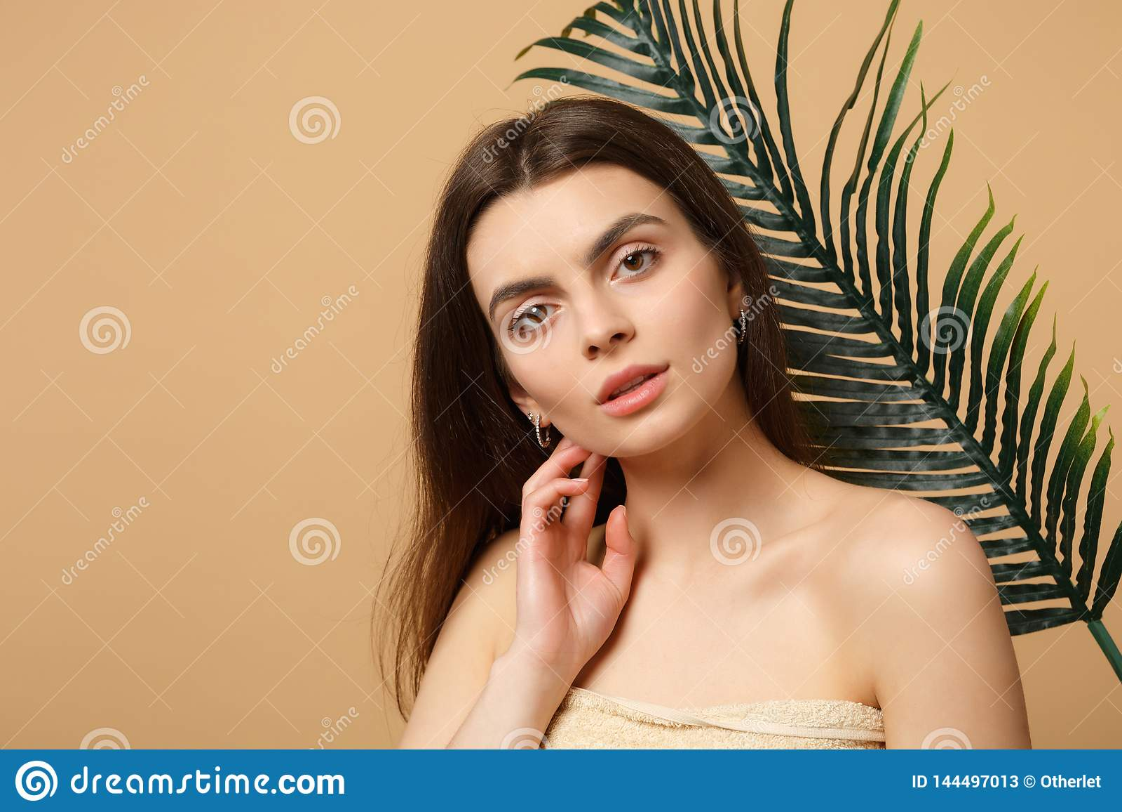 Abschluss Herauf Brunette Halb Nackte Frau 20s Mit Der