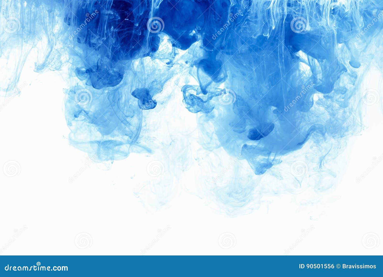 Abstrakcjonistyczna tło koloru atramentu kropla w wodzie Błękit chmura farba na bielu