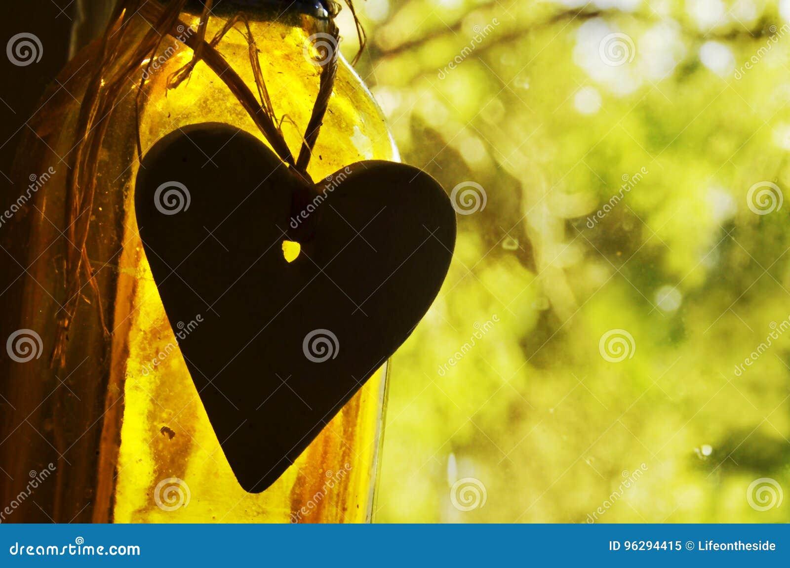 Abstrakcjonistycznego pojęcia tła wycena inspiracyjny życie, miłość, serce