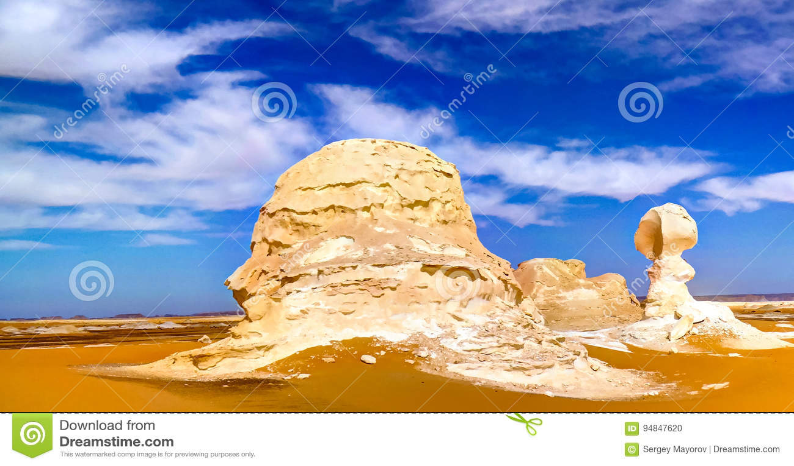 Abstrakcjonistycznej natury rockowe formacje aka rzeźbią, biel pustynia, Sahara, Egipt