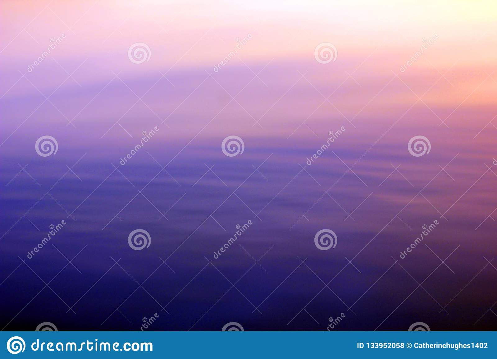 Abstrakt bakgrund i rosa färg- och lilasignaler