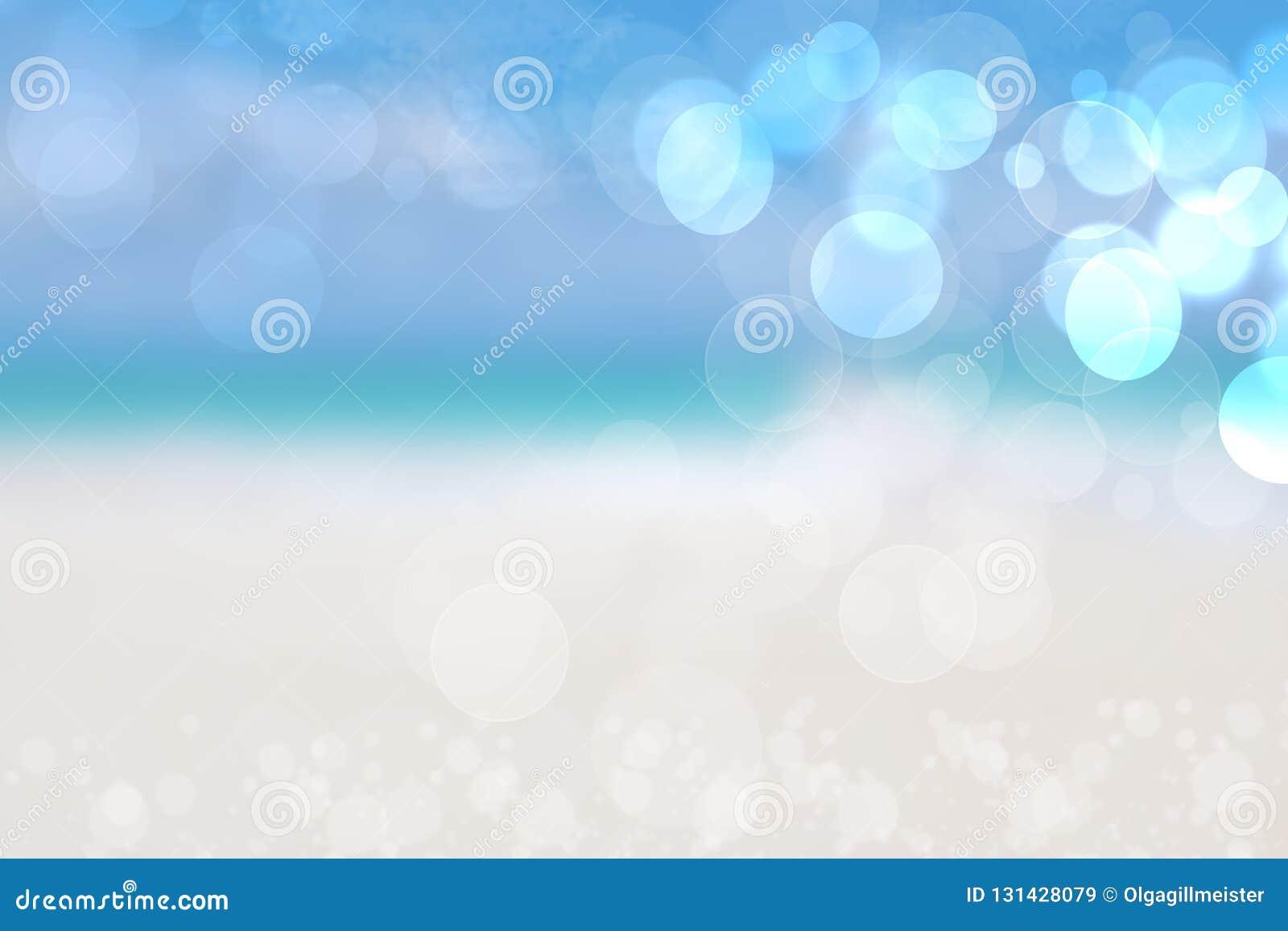 Abstrakt bakgrundshav Abstrakt sandig sommarstrandbakgrund med bokehljus på ljust - blå himmel Härligt texturera avstånd