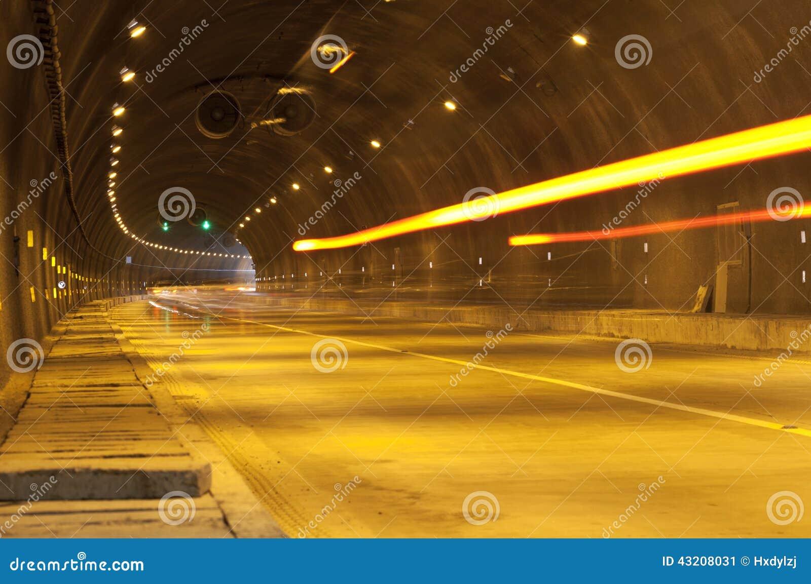 Download Abstrakt Hastighetsrörelse I Stads- Huvudvägvägtunnel Fotografering för Bildbyråer - Bild av högt, kurvor: 43208031