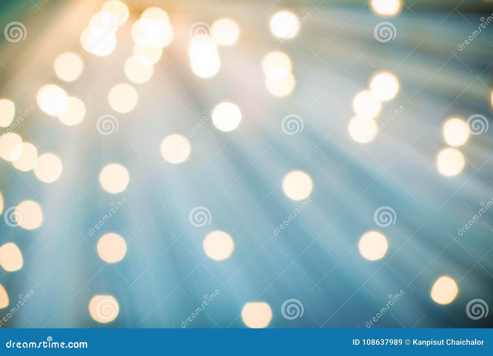 Abstrakt julbakgrund, ljus suddighet som skapar trevlig bokeh Effekter gör suddig ut ur år Bokeh för &new för fokusljusträd defoc