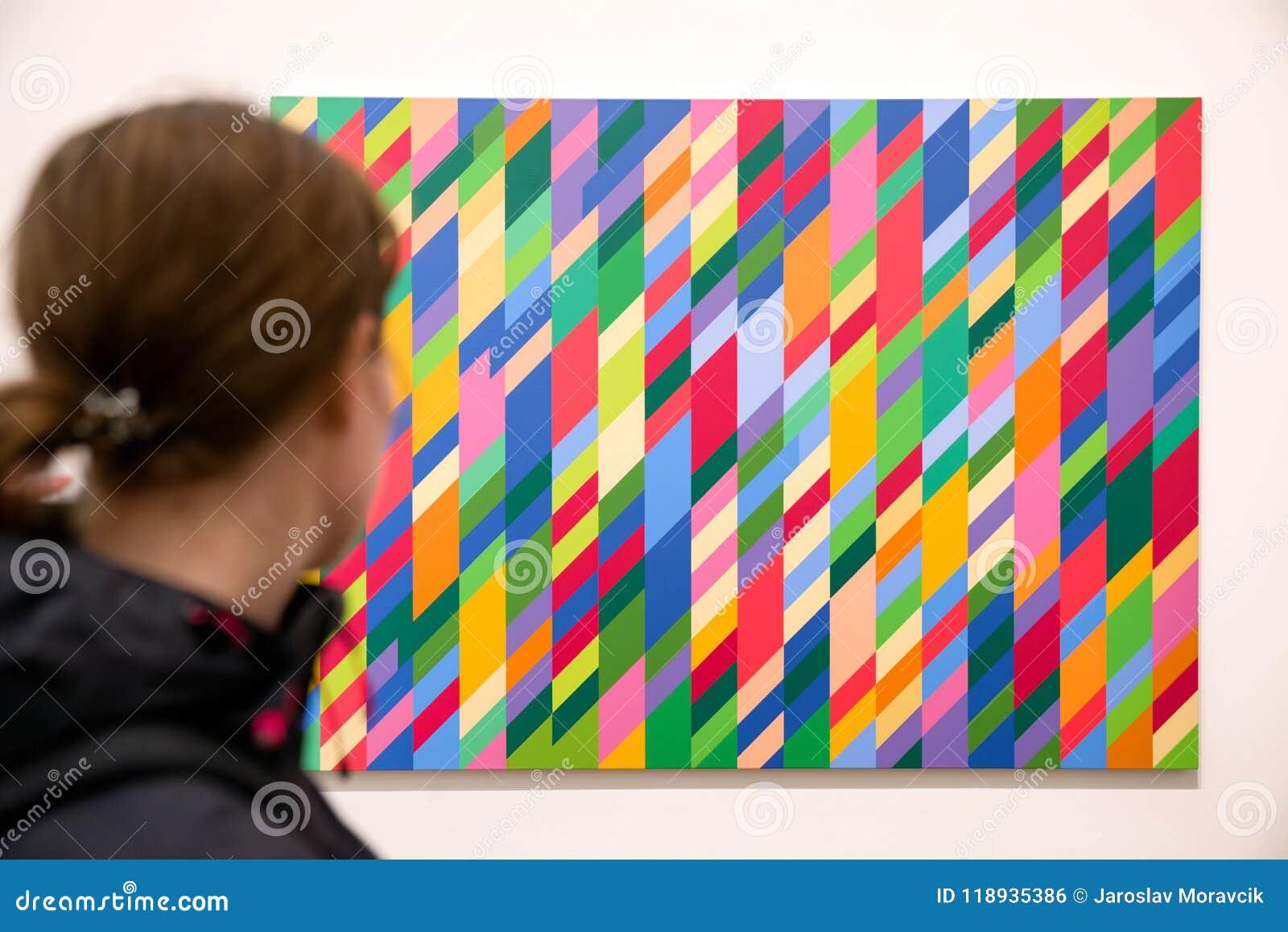 Abstrakte Kunst Bei Tate Modern London Redaktionelles Foto Bild Von Modern Inside 118935386