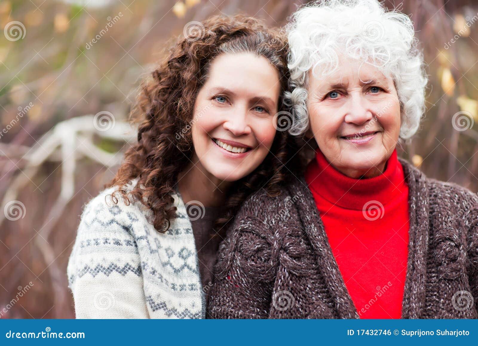 Abuela con su hija