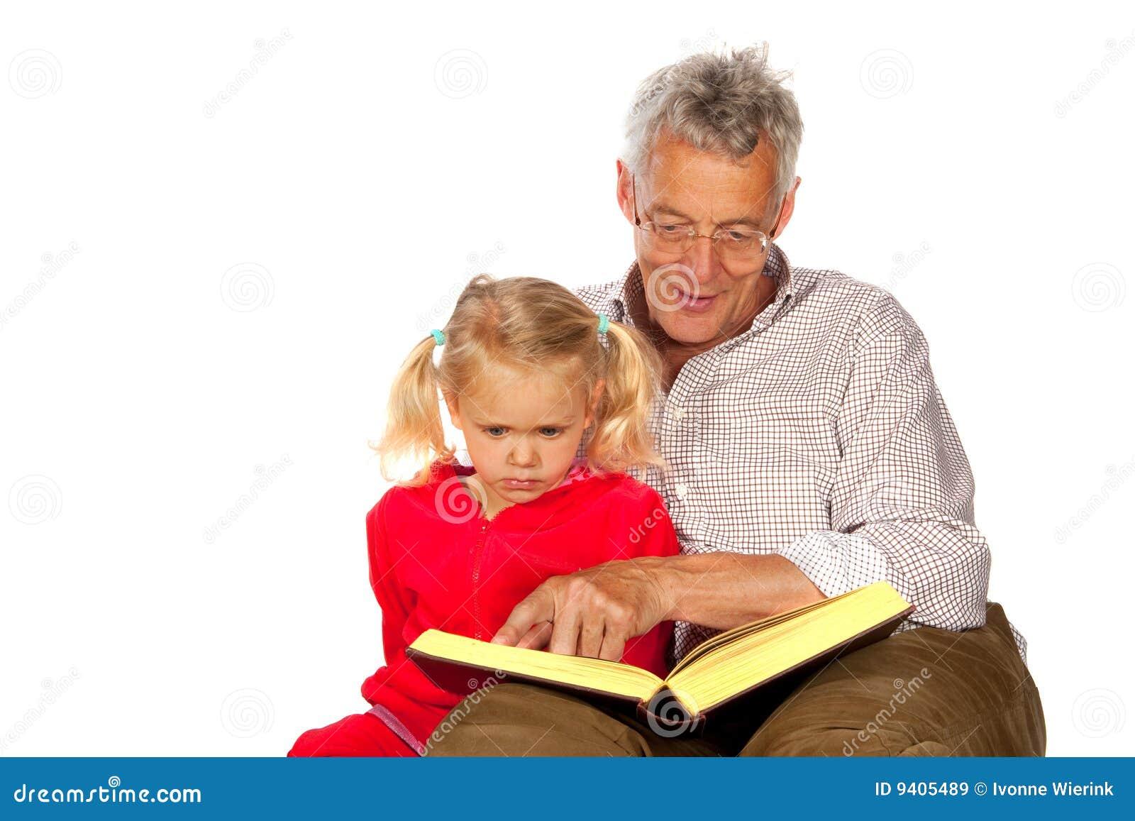 Ansiana con su nieto