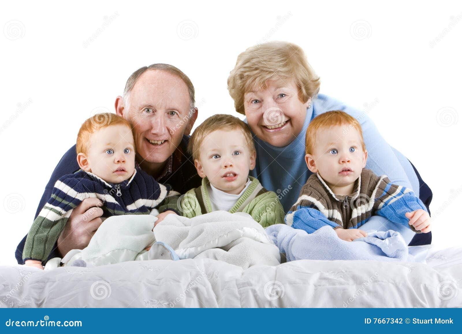 Abuelos Y Nietos Fotografía De Archivo