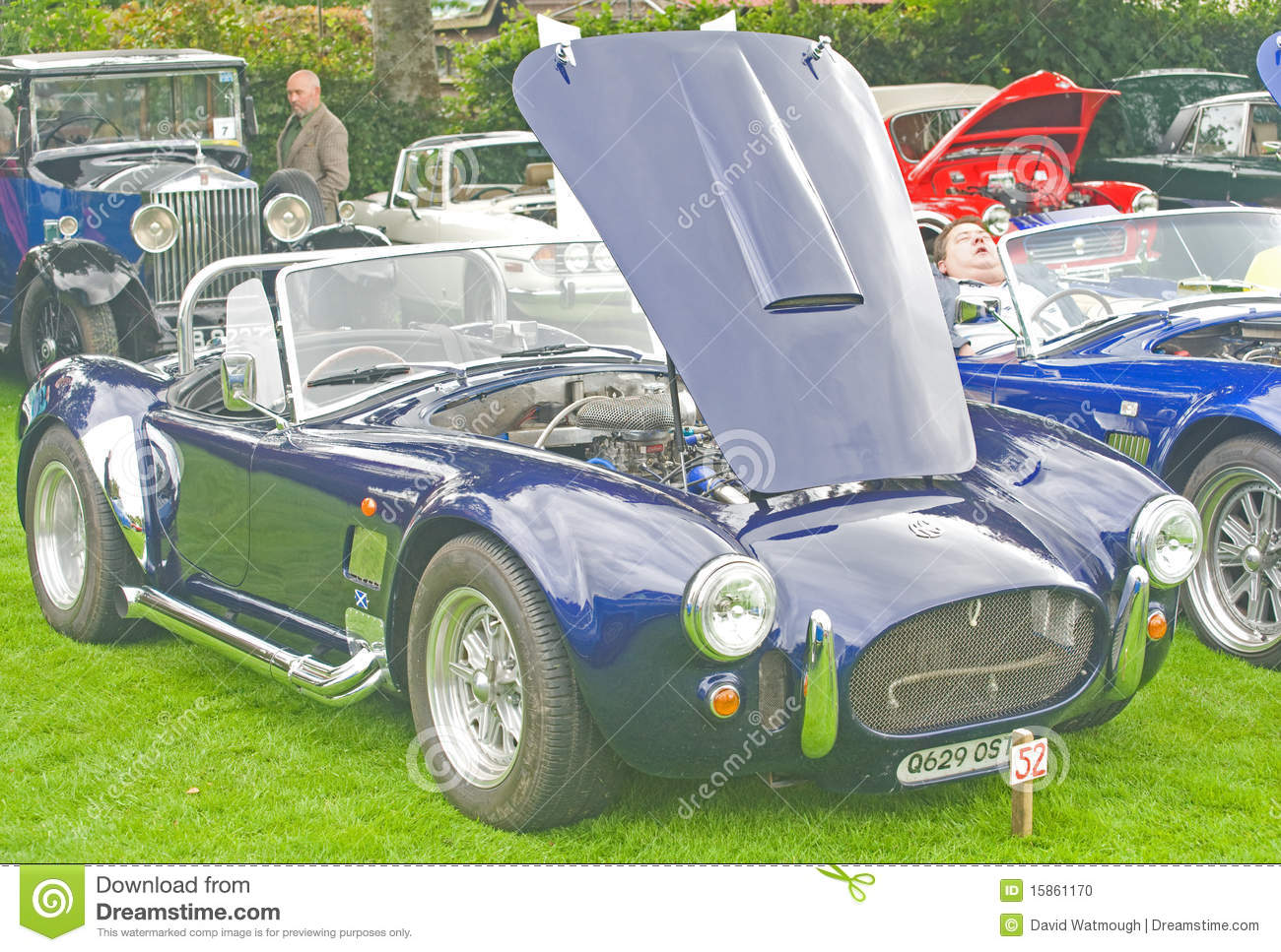 AC Cobra kit car.