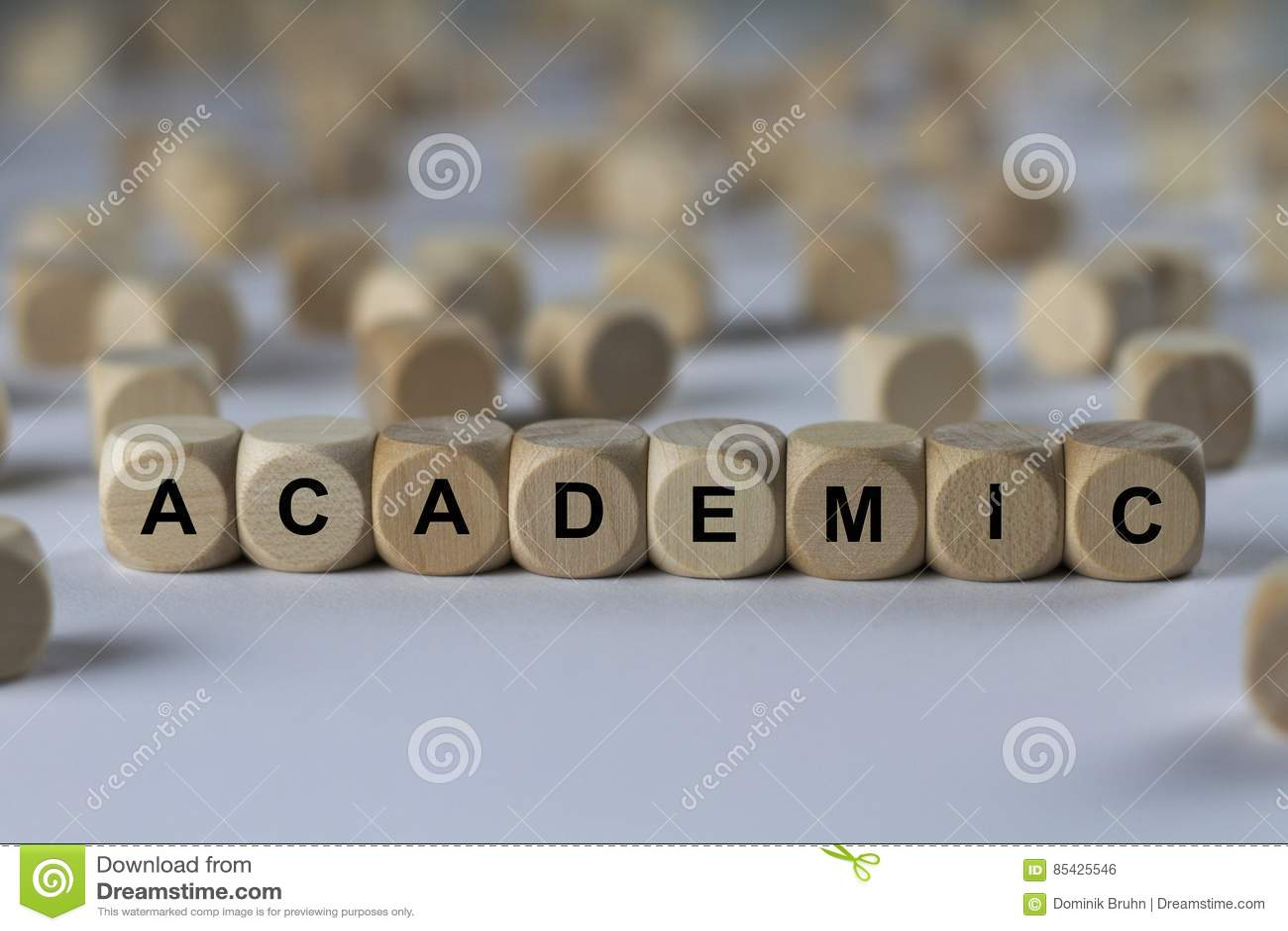 Academisch - kubus met brieven, teken met houten kubussen