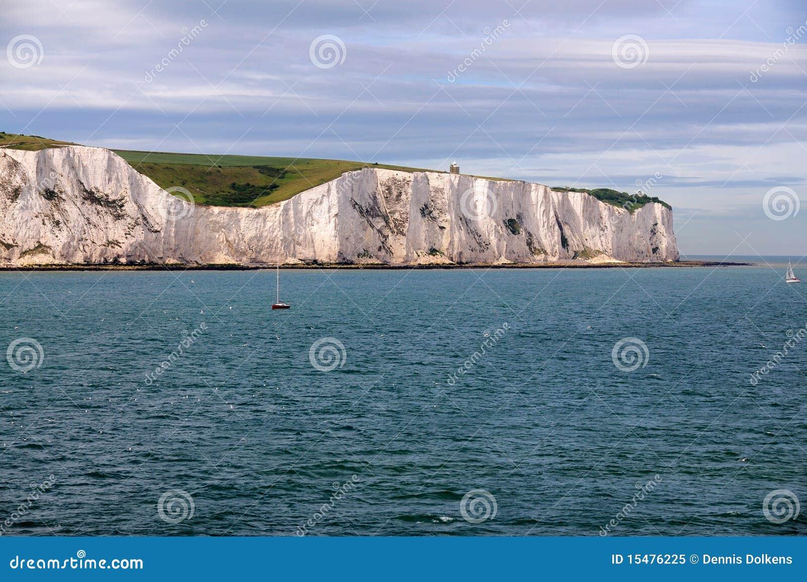 Acantilados blancos de Dover del mar