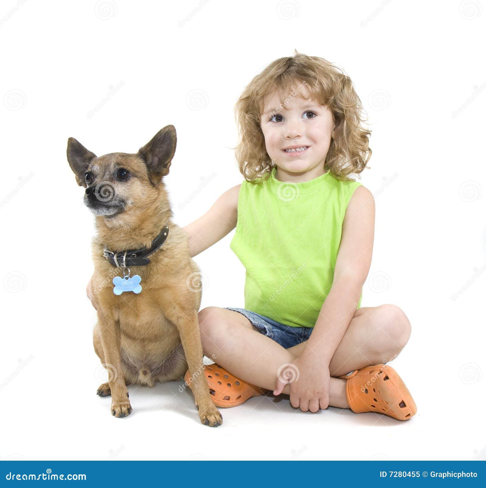 Acariciar el perro
