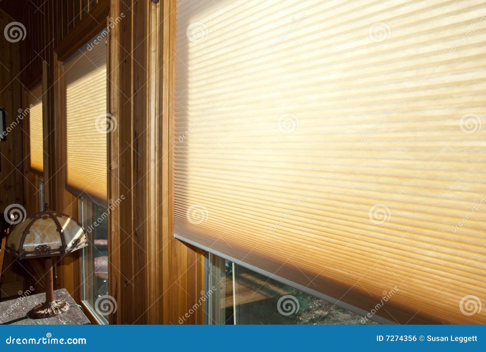 Acceca la finestra