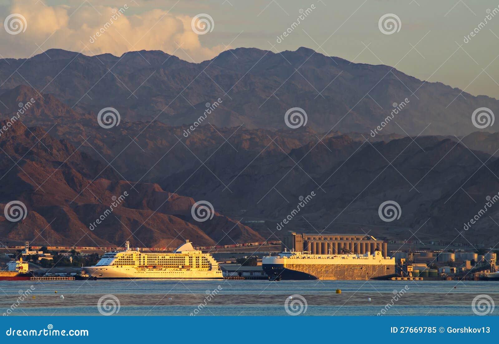 Acceso marina de Aqaba, Jordania