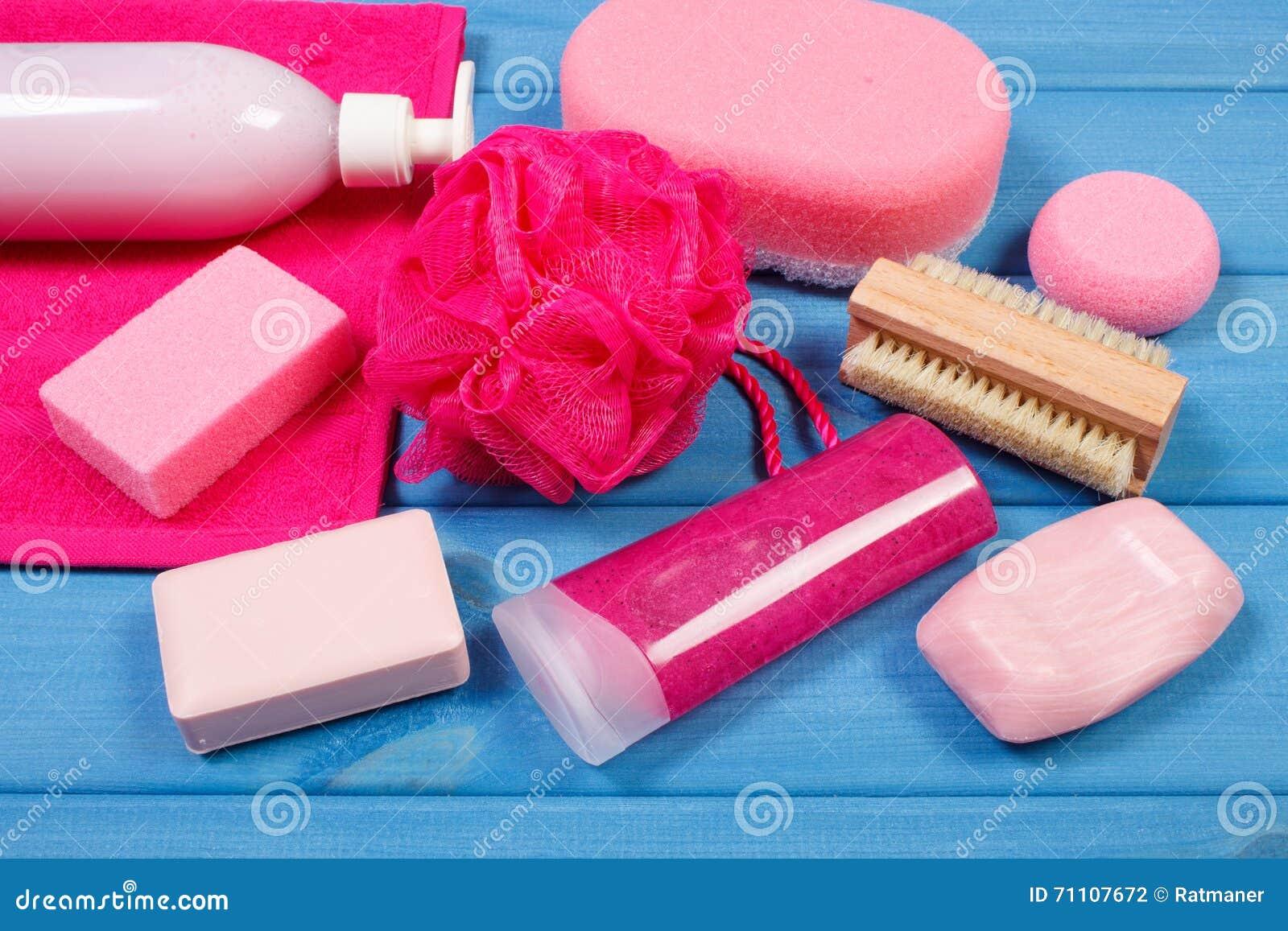 Accesorios y cosm ticos para la higiene personal en cuarto - Accesorios cuarto de bano ...