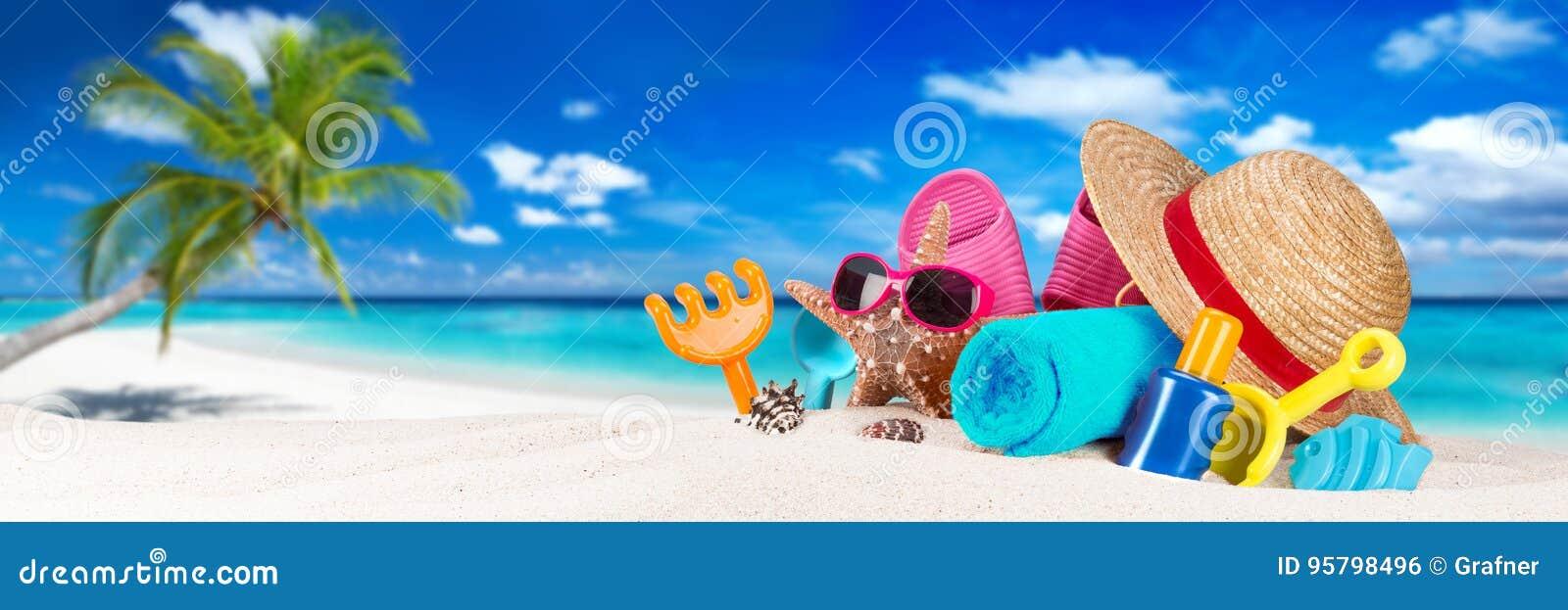Accessoire sur la plage tropicale de paradis