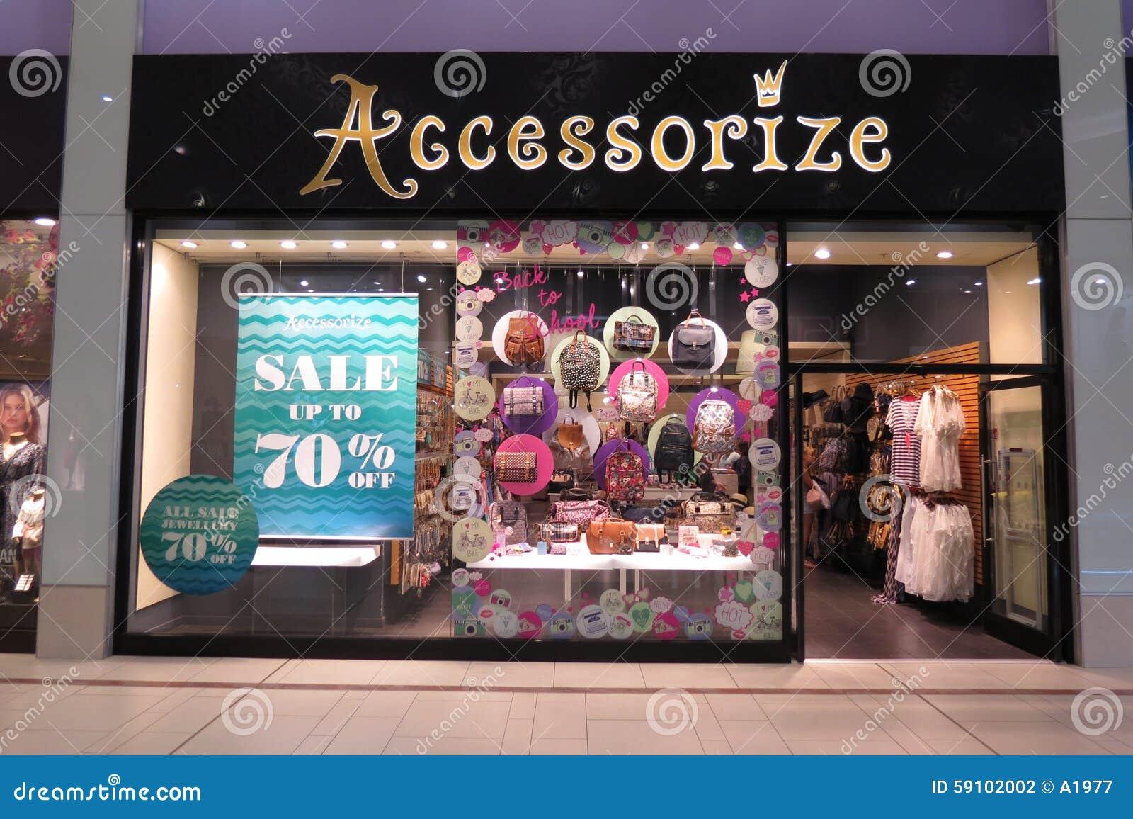 ad60aa7cdbe Accessoirisez Le Magasin De Marque Photographie éditorial - Image du ...