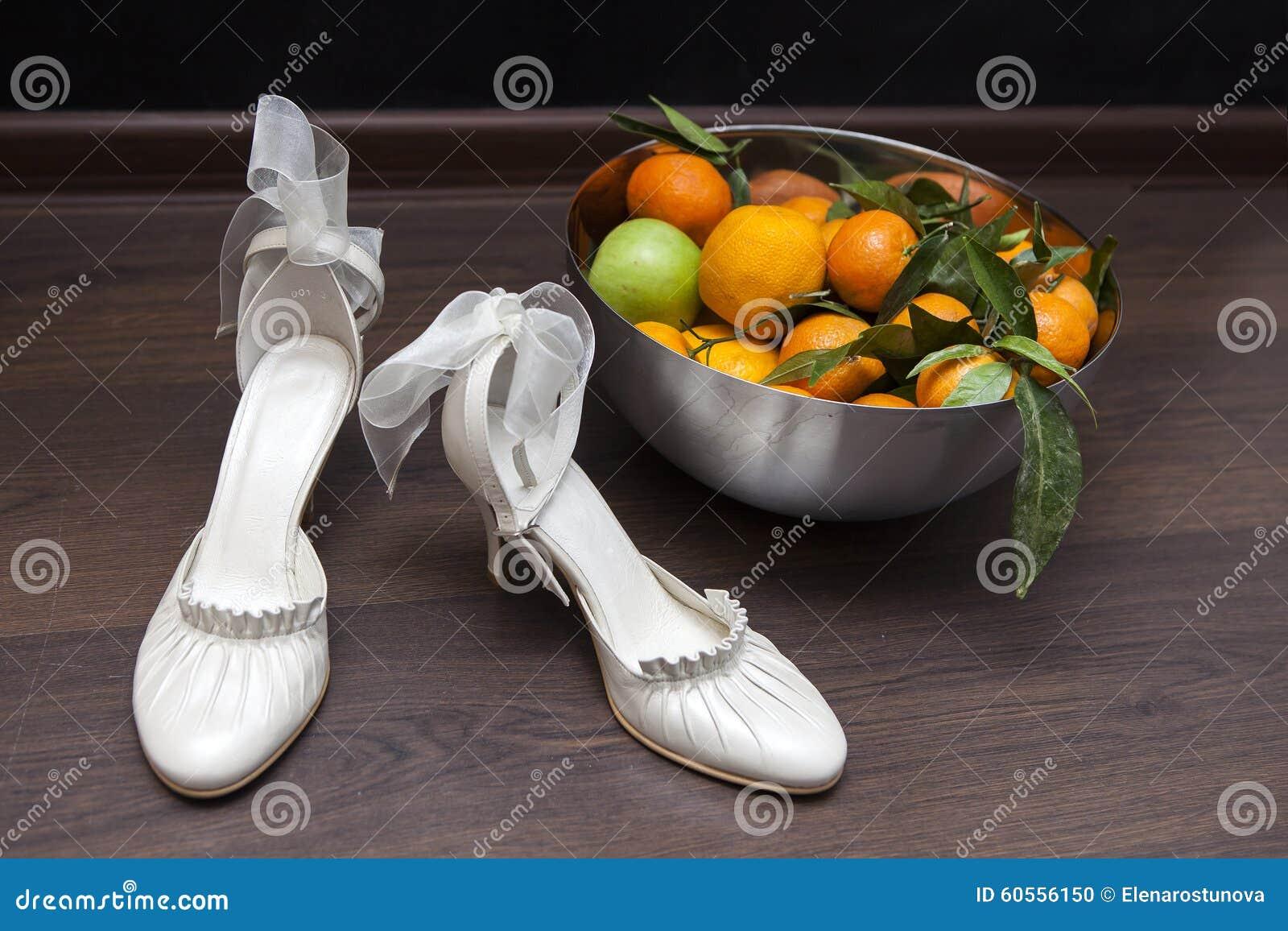 Accessori di lusso di nozze dell avorio per la sposa