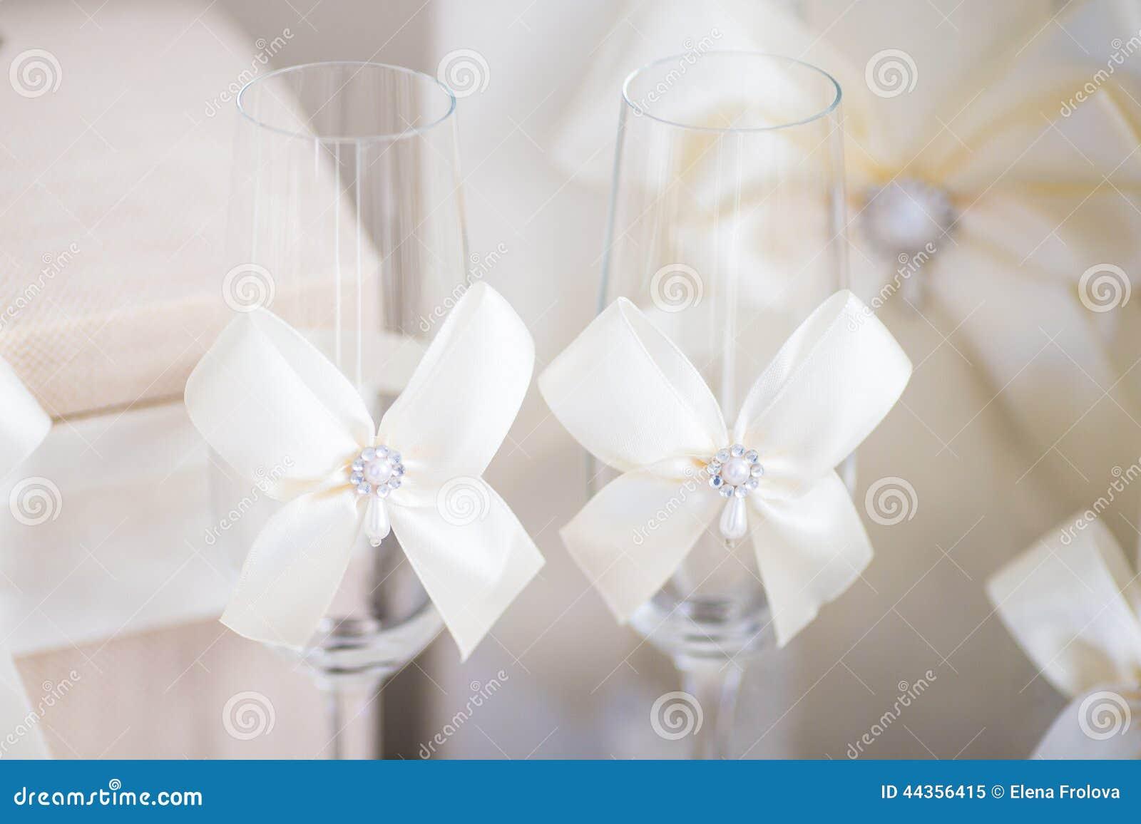 Accessori di nozze per la mattina della sposa