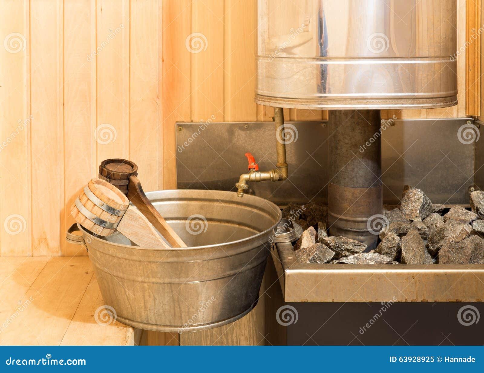 https://thumbs.dreamstime.com/z/accessori-di-sauna-nel-bagno-turco-63928925.jpg