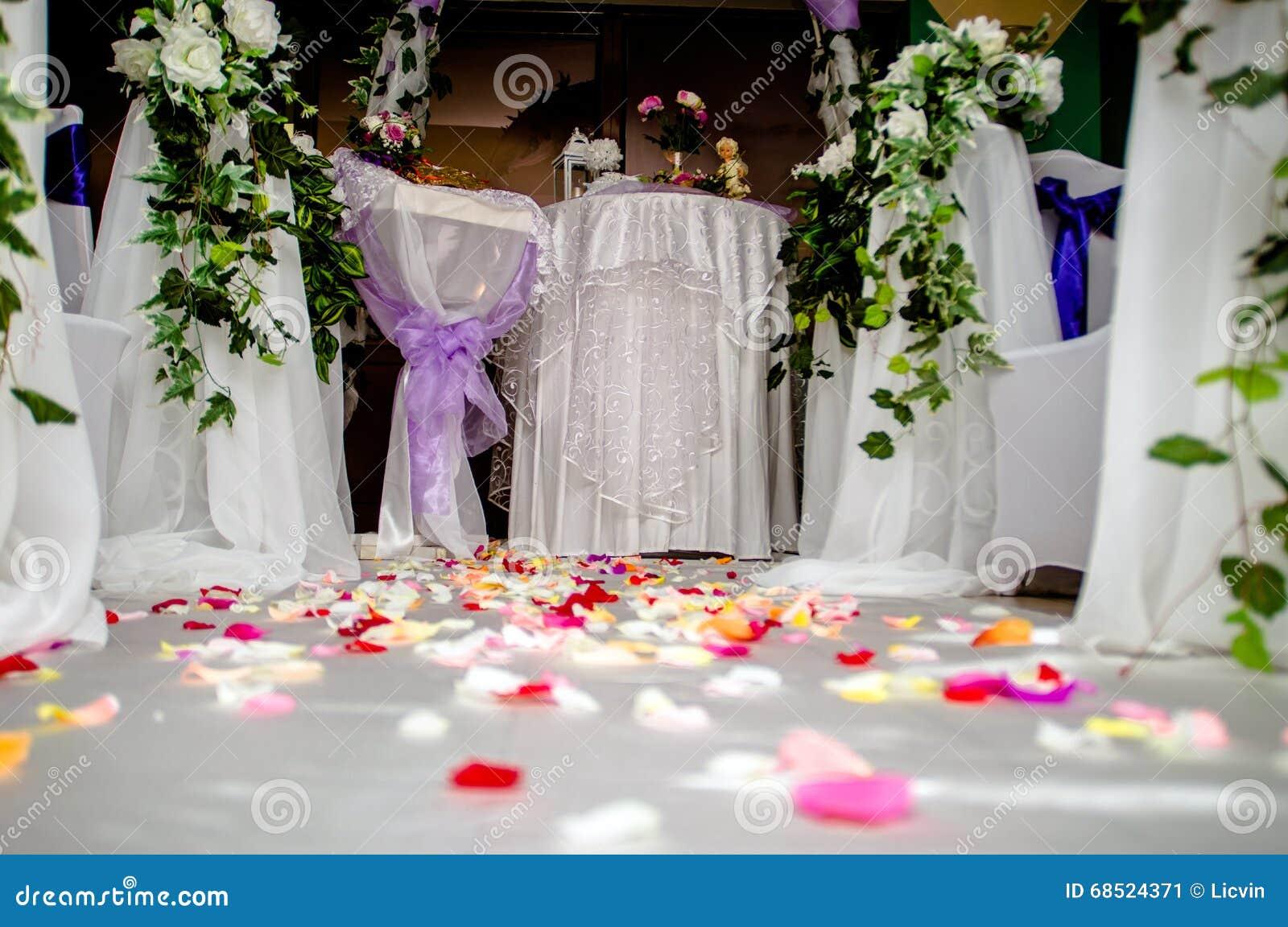 01c3280fcaef Accessori Per La Registrazione Di Matrimonio Immagine Stock ...