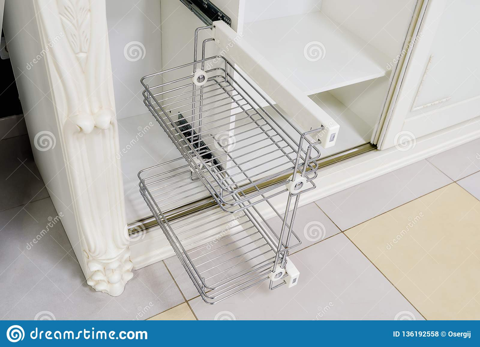 Accessory for storing shoes in the wardrobe