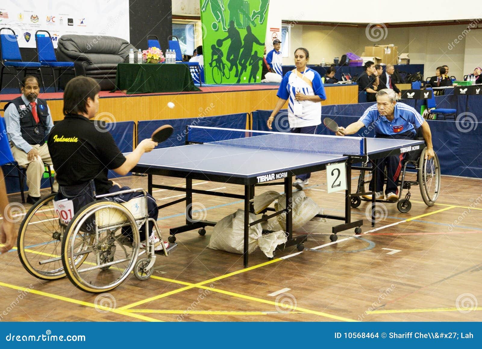 Acción del tenis de vector del sillón de ruedas de los hombres